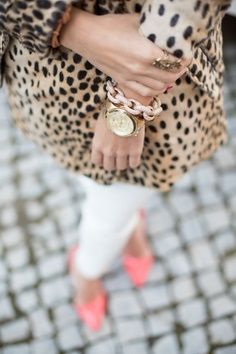 classy. love the animal print & soft pink heels.