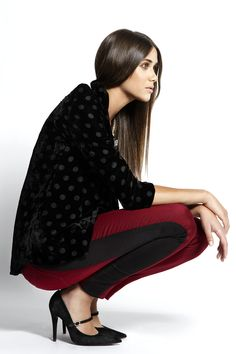 Color Burdeos:  - Chaqueta TRAFFIC PEOPLE - Pantalones VILA - Zapatos AGAIN&AGAIN Todo disponible en El Armario de la Tele.