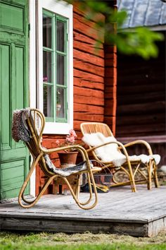 Swedish Cottage, Red Cottage, Cottage Style, Outdoor Rooms, Outdoor Chairs, Outdoor Living, Outside Living, Hygge, Garden Furniture