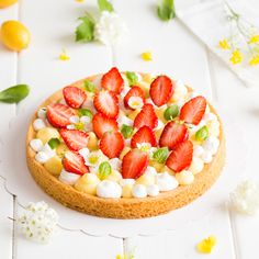 Tarte aux fraises, crème citron-basilic & chantilly - Expolore the best and the special ideas about French recipes Strawberry Tart, Fruit Tart, Desserts With Biscuits, Scones Ingredients, Number Cakes, Cupcakes, French Pastries, Christmas Desserts, Let Them Eat Cake