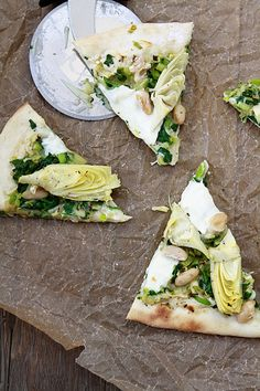 // artichoke spinach white bean pizza