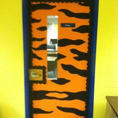 My 2012-13 classroom door! Go WW Tigers!!  sc 1 st  Pinterest & Tiger stripes for my classroom door for Jungle week | Summer Camps ...