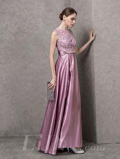 Lace Illusion Neckline Long Prom Dress with V-back
