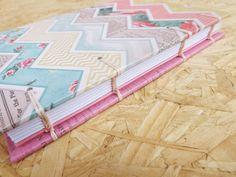 Caderno Midi :: Chevron & Rosa #encadernação #cadernoartesanal #feitoamao #bookbinding #handmade #papelaria