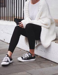 35db6f28abcd1 10 Outfits que puedes lograr con unos leggings negros y una playera blanca.  Ropa TumblrModa ...