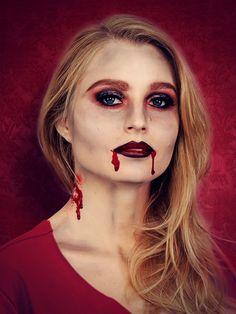 Vampir schminken für #Halloween: Fertiger Look