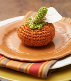 Pumpkin Place Card Holder | DIY Thanksgving Place Settings