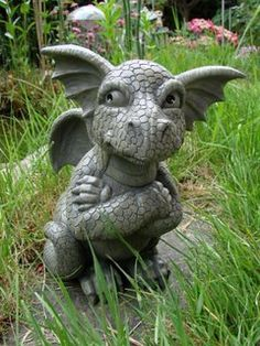 Statue de dragon sceptique