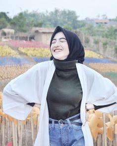 Casual Hijab Outfit, Hijab Chic, Beautiful Hijab, Casual Sweaters, Hijab Fashion, Rib Knit, Hair Beauty, Muslim, Hijabs