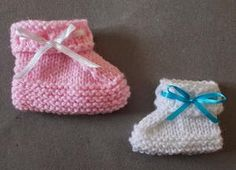 Ribbon Baby Booties - There's nothing cuter than baby booties and the Ribbon Baby Booties are no exception. These adorable knit baby booties are available in several sizes, meaning you can easily make them for any little one in your life. Because they are so tiny, these beginner knitting patterns some of the best quick knit stash busters available.  Perfect for last-minute homemade gifts for baby showers or holidays, free knitting patterns for babies have never been more fun.
