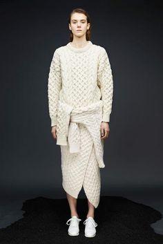 Joseph Pre-Fall 2015 Fashion Show Knitwear Fashion, Knit Fashion, Fashion Week, Fashion Show, Winter Fashion, Fashion Design, Fashion Ideas, Style Fashion, Fashion Tips
