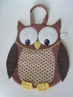 Billedresultat for molde porta lixinhoo carros gato Handmade Crafts, Diy And Crafts, Owl Sewing, Diy Keychain, Pencil Pouch, Fabric Crafts, Little Girls, Sewing Projects, Patches