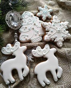 Cute Christmas Cookies, Christmas Cookie Exchange, Xmas Cookies, Iced Cookies, Cute Cookies, Christmas Goodies, Cupcake Cookies, All Things Christmas, Baby Shower Snacks