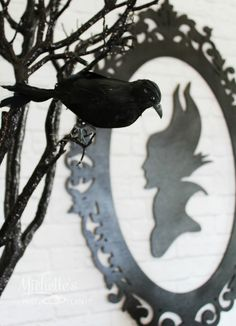 Maleficent Party Ideas featuring creative purple and black decorations, food and… Costume Birthday Parties, Halloween Party Themes, Birthday Party Themes, 25th Birthday, Theme Parties, Disney Halloween, Disney Christmas, Halloween 2019, Birthday Ideas