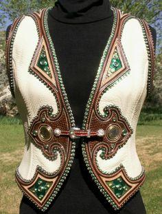 Denice Langley Custom Leather and Silver / Boɧo⚜️ננ Diคmond Cowboy ⚜ננ Western Show Shirts, Western Show Clothes, Horse Show Clothes, Cowgirl Chic, Cowgirl Style, Cowgirl Tuff, Western Style, Gypsy Cowgirl, Western Theme