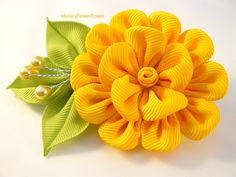 Handmade Kanzashi large flower hair clip. This gorgeous handmade KANZASHI flower is apprx.5.5 cm(2-1/4) by 9cm(3-1/4), made of grosgrain ribbon. Mounted on a 7.8cm(3) alligator type hair clip.   I always use the highest quality ribbon and materials.My hair accessories are all handmade and designed by me in my studio in Essex(smoke/pet free).  All hair accessories made of ribbon and satin fabric are heat sealed to prevent fraying.