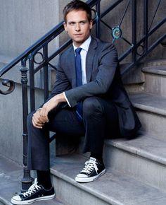 'Suits' Season Gabriel Macht and Patrick J. Suits Tv Series, Suits Tv Shows, Converse Shoes Outfit, Converse Men, Double Denim, Suits Usa, Mens Suits, Chuck Taylors, Actor