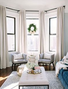 you have a bay window in your home, it isn't always easy to decide what to do with this space. While they are definitely a feature or focal point, making the most of a bay window can be tricky. Formal Living Rooms, Living Room Modern, My Living Room, Living Room Designs, Living Room Furniture, Living Room Decor, Small Living, Rustic Furniture, Antique Furniture