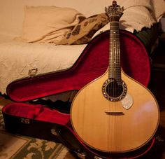 World heritage music instrument : the portuguese fado guitar -I love the straight line tuners on this!