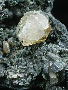 Phosgenite, Pb2(CO3)Cl2. Photo Klaus-Peter Kelber. Würzburg Mineralogical Museum