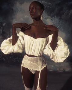 Work of art 🎨 by model . Black Girl Magic, Black Girls, Look Fashion, Fashion Outfits, Fashion Design, Mode Dope, Pretty People, Beautiful People, Foto Portrait