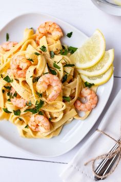This super creamy scampi fettuccine is on the table in 20 minutes and tastes so delicious. This super creamy scampi fettuccine is on the table in 20 minutes and tastes so delicious. Quick Recipes, Fish Recipes, Pasta Recipes, Soup Recipes, Chicken Recipes, Shrimp Recipes, Shrimp Scampi Pasta, Shrimp Fettuccine, Soup Appetizers