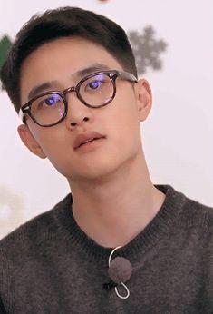 GRAVITY Do Kyung Soo, Kyungsoo, Chansoo, Exo Do, I Miss Him, Cute Boys, Gifs, Universe, Handsome