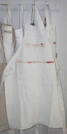 Crisp White + Floral Binding Detail Apron #harpersbazaar #mydreamkitchen