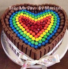 kitkat-rainbow-cake-heart.jpg 619×627 pixels