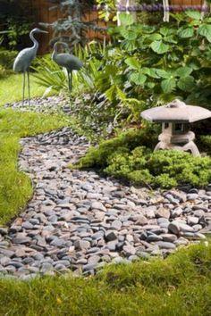 76 Beautiful Zen Garden Ideas For Backyard 700 #modernyarddecor #zengardens