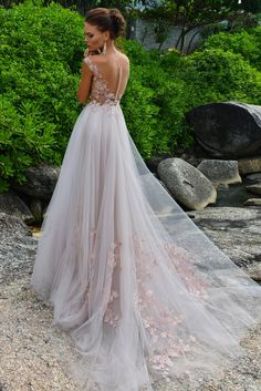 Свадебное платье Strekkoza Monique. Купить свадебное платье в салоне Валенсия (Москва)