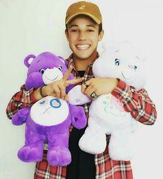 Awww he's so cute!❤