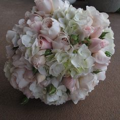 white and soft pink David Austen roses with hydrangeas