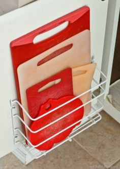 Everyone could use a little extra storage in their home. Here are 10 brilliant storage tips you can start using in your home today....