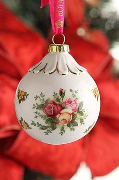 Royal Albert Old Country Roses Bauble Ornament - Would love this for my Christmas tree! Noel Christmas, Pink Christmas, Beautiful Christmas, Christmas And New Year, All Things Christmas, Christmas Tree Ornaments, Christmas Crafts, Christmas Decorations, Holiday Decor