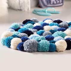 Rope Crafts, Yarn Crafts, Diy Crafts, Christmas Pom Pom Crafts, Diy Room Decor Videos, Diy Pom Pom Rug, Cute Bedroom Decor, Pom Pom Maker, How To Make A Pom Pom