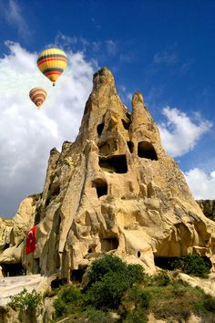 Cappadocia | Turkey(by M Reza Faisal). Volcanic eruptions created the landscape, which includes 'fairy chimneys' (rock formations).
