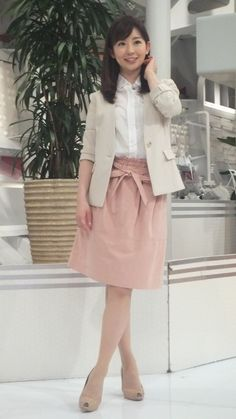 Office Wear, Midi Skirt, High Waisted Skirt, Female, Chic, Celebrities, Skirts, How To Wear, Clothes