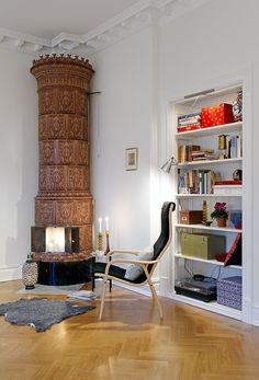 apartment in Linnestaden, Sweden - I love the fireplace and ceiling
