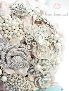 A bouquet made out of brooches.  How awesome is that!?! by fanny