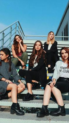 Group Poses, Group Shots, Fifth Harmony, Wattpad, My Love, Photography Ideas, Queens, Image, Photos