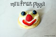 Mini Fruit Pizzas and Lunch Box Ideas for Horizon Organic | Simple to make, and your kids will love them!