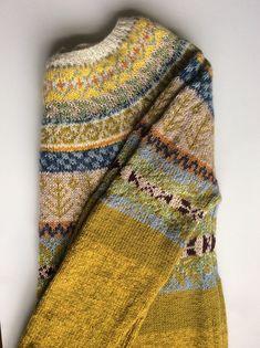 Crochet Patterns Pullover Ravelry: brendadada's Lovage From The Top Tejido Fair Isle, Punto Fair Isle, Fair Isle Knitting, Hand Knitting, Moda Boho, How To Purl Knit, Pulls, Knit Crochet, Crochet Cats