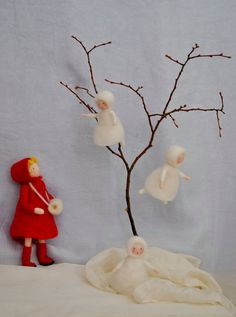 Seasonal Table Waldorf inspired dolls :The snow children. Made to order - Nadelfilzen Ideen Spool Crafts, Felt Crafts, Diy And Crafts, Noel Christmas, Christmas Crafts, Christmas Ornaments, Christmas Decorations, Waldorf Crafts, Waldorf Dolls