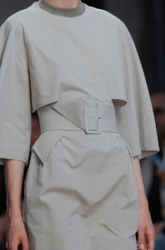 Chic Simplicity - minimalist dress; close up fashion details // Damir Doma Spring 2014