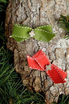 Χριστουγεννιάτικα μαρτυρικά βάπτισης με γκρο κορδέλα και μεταλλικό σταυρό