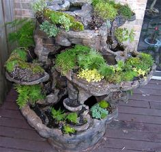This would be a tough project with all the different pieces of hypertufa but it looks great! (Fountain planter made from hypertufa) Garden Crafts, Garden Projects, Garden Art, Garden Design, Gnome Garden, Indoor Planters, Garden Planters, Succulents Garden, Garden Troughs