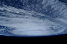 Tropical cyclone #Joalane appearing at the horizon. (IT) Il ciclone tropicale Joalane appare all'orizzonte.