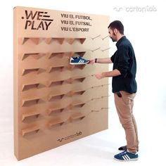Cardboard shoe exhibitor for shops, fairs, tradeshows, events. Ecological and sustainable design. Cardboard Design, Cardboard Display, Cardboard Packaging, Cardboard Crafts, Shoe Display, Display Design, Booth Design, Shoe Store Design, Clothing Store Design