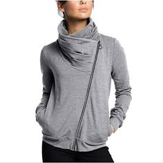 Hoodie Sweatshirts, Hoodies, Sweater Coats, Sweater Hoodie, Style Simple, Moda Paris, Jackets For Women, Clothes For Women, High Collar